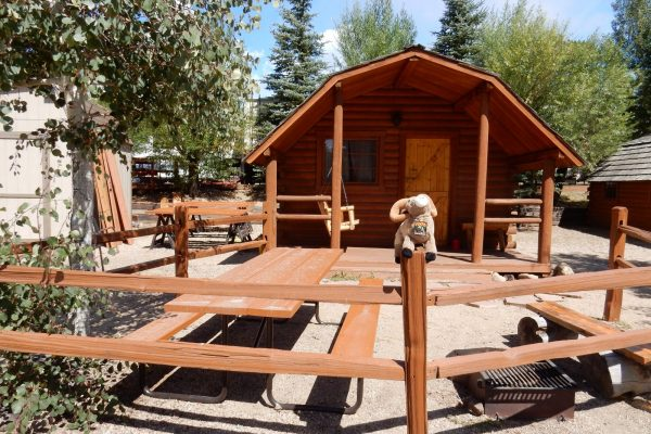 Rental camping cabin at Estes Park KOA